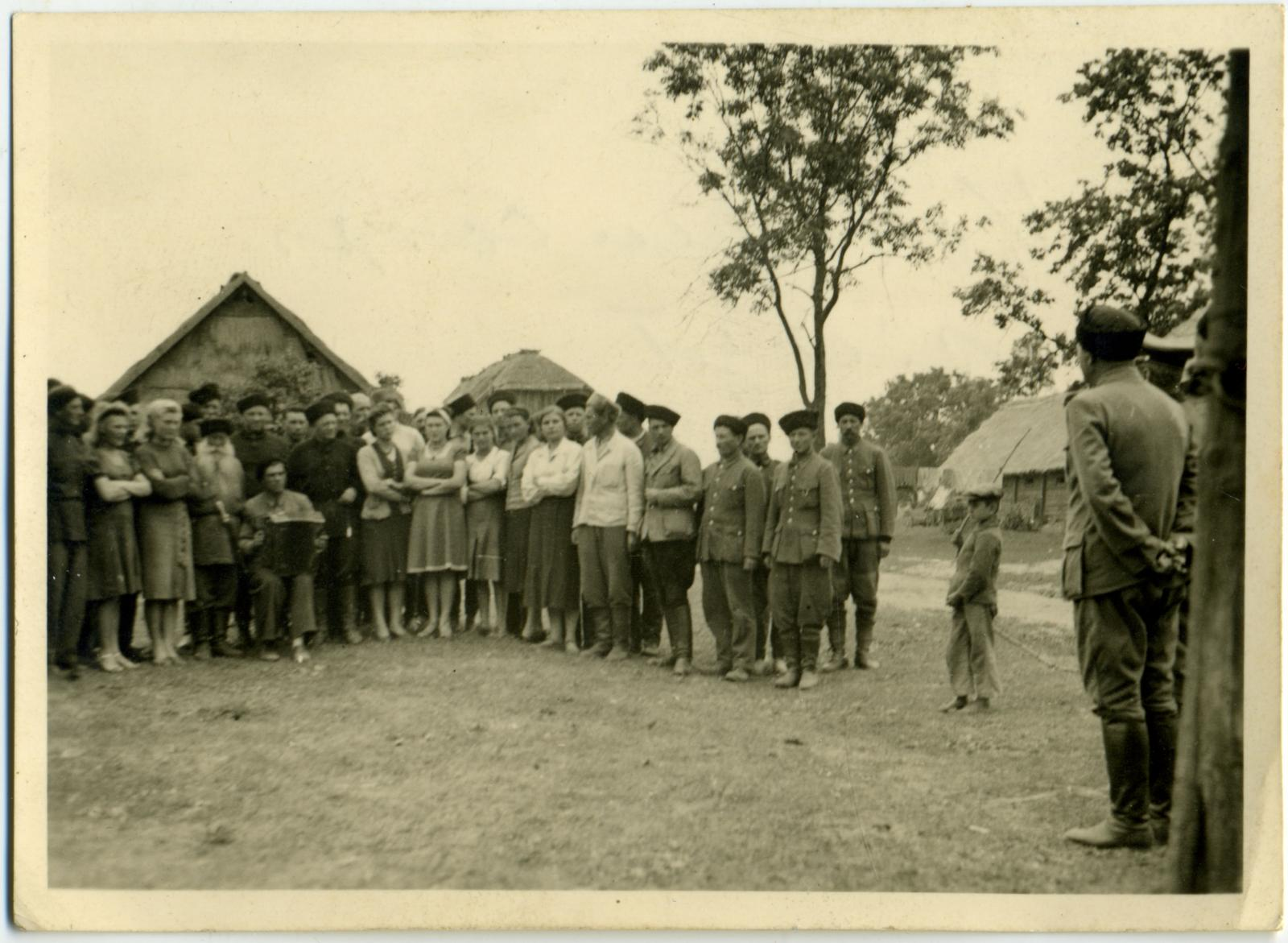 Казачий стан. Район Барановичи — Слоним. 1944.
