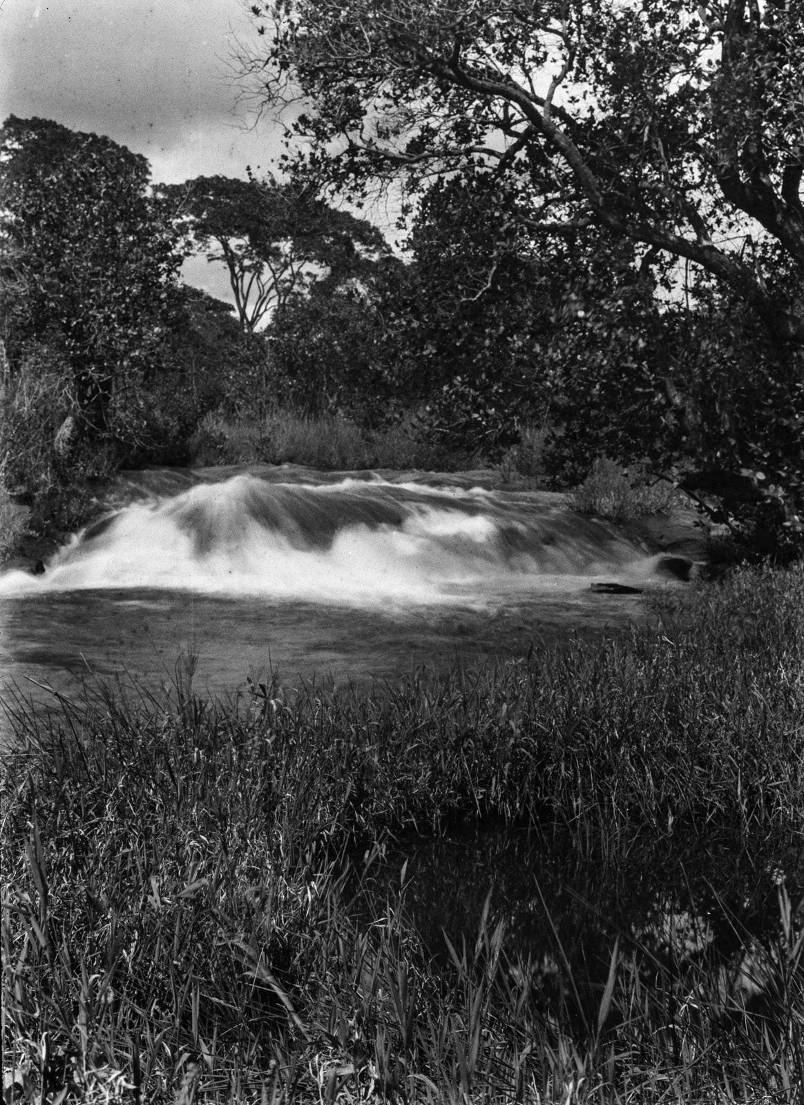 Капири-Мпоши.  Водопад Чиуэфуэ