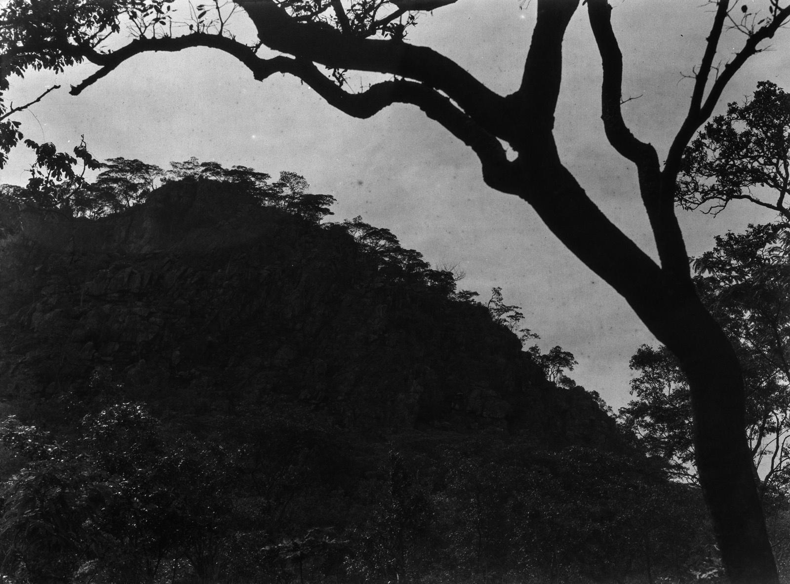 Капири-Мпоши. Вид кварцитной породы, подверженной эрозии.