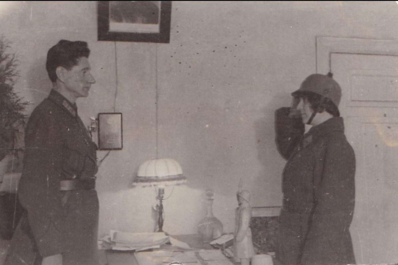 1933. Рапорт женщины-милиционера начштабу дивизиона. Москва