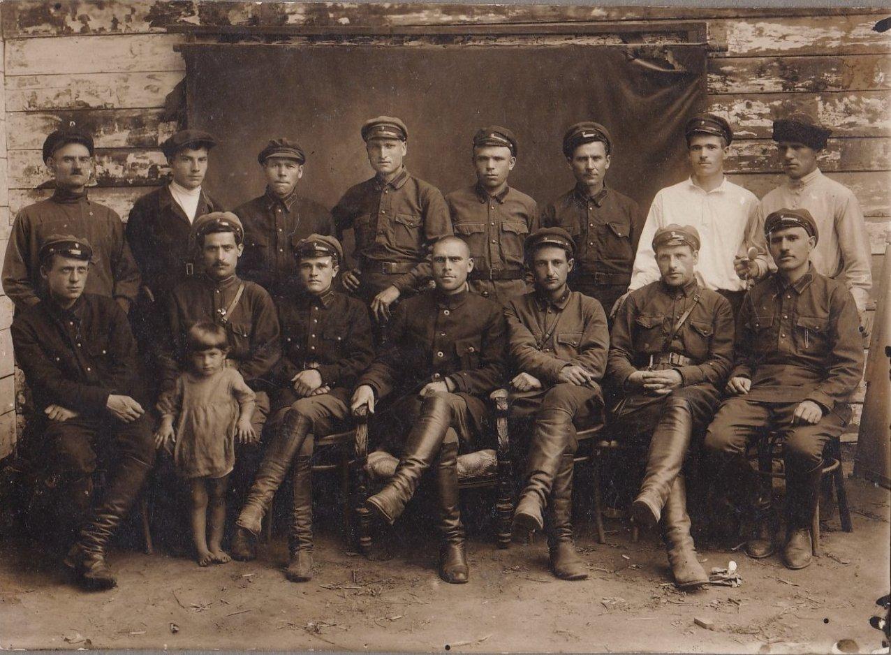 Группа сотрудников Рабоче-Крестьянской Милиции