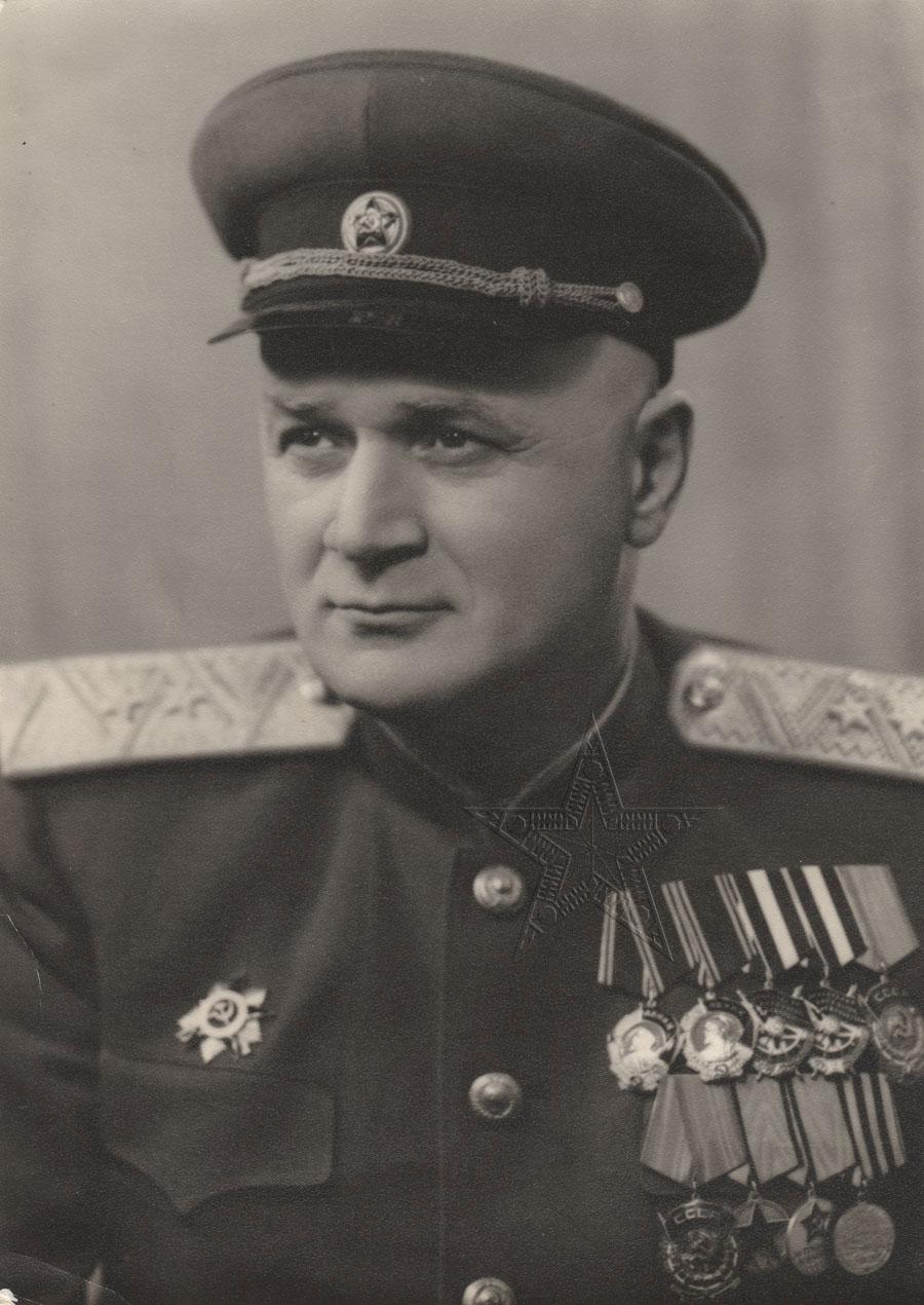 Ювельян Давидович Сумбатов-Топуридзе, народный комиссар внутренних дел Азербайджанской ССР1