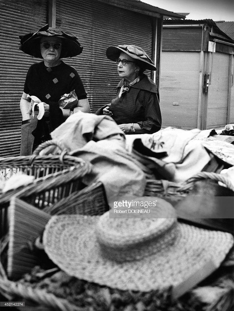 1958. Женщины на блошином рынке Сент-Оуэн