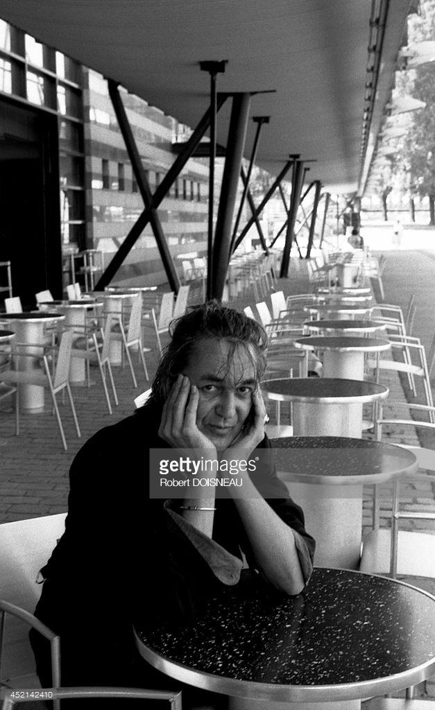 1991. Портрет французского певца Жака Хигелина в парке Ла-Виллет