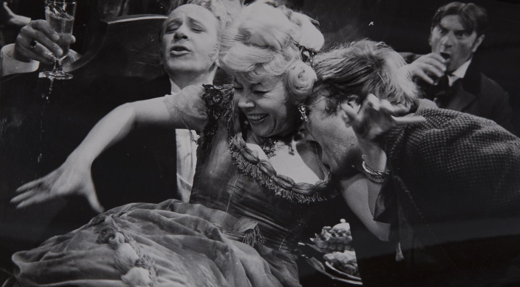 1965. На съёмочной площадке фильма «Скверный анекдот».