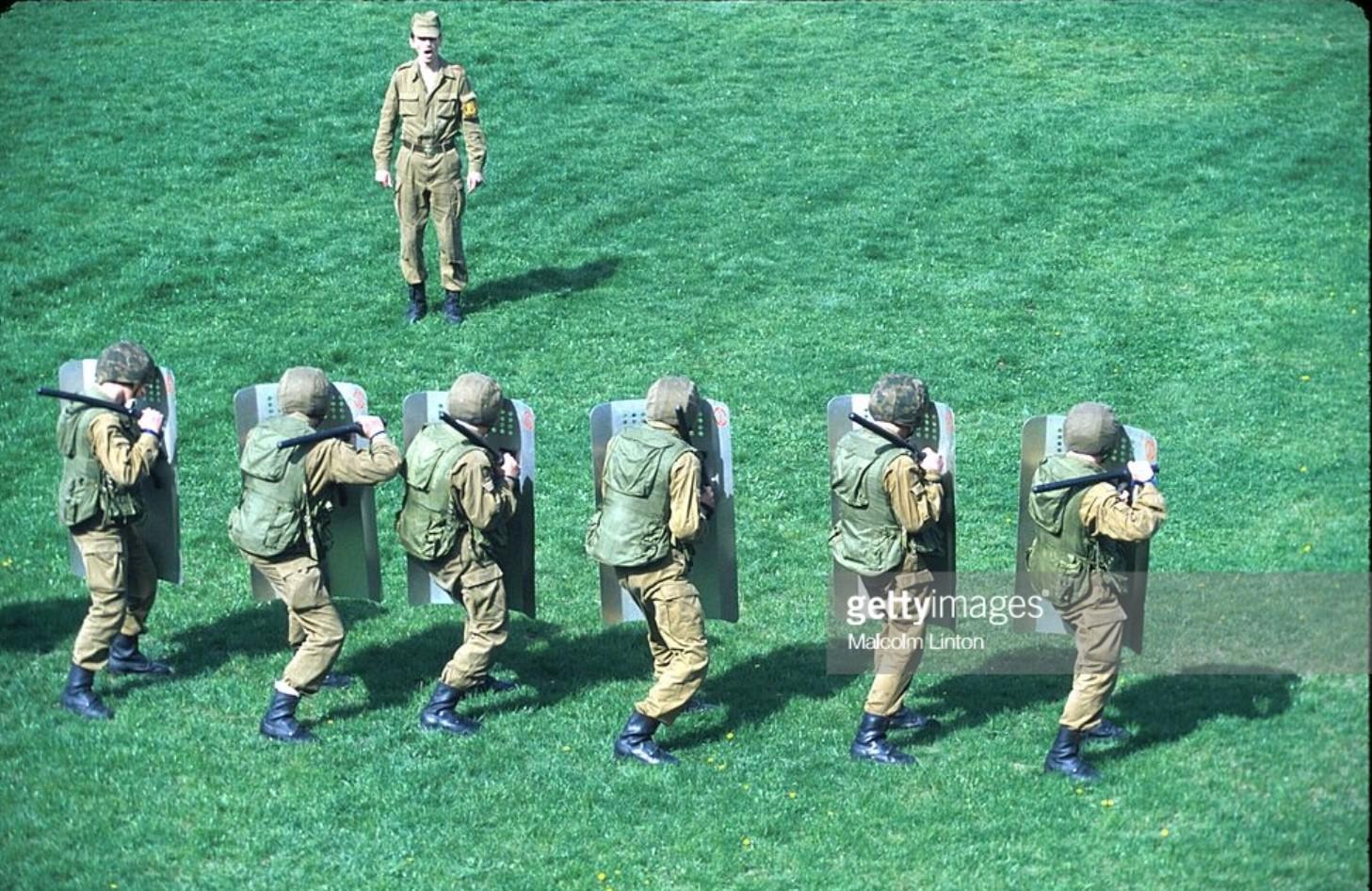 1993. Южная Осетия. Группа грузинских солдат на тренировке