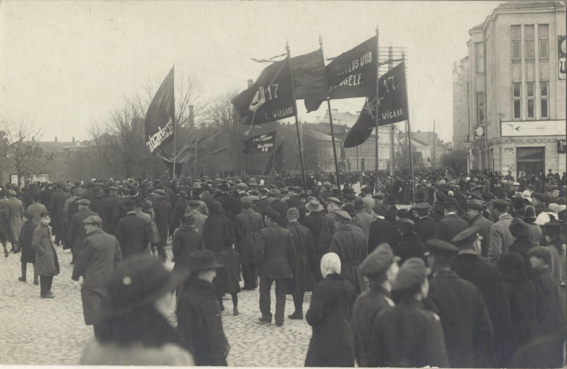1917. 1 мая в Ревеле