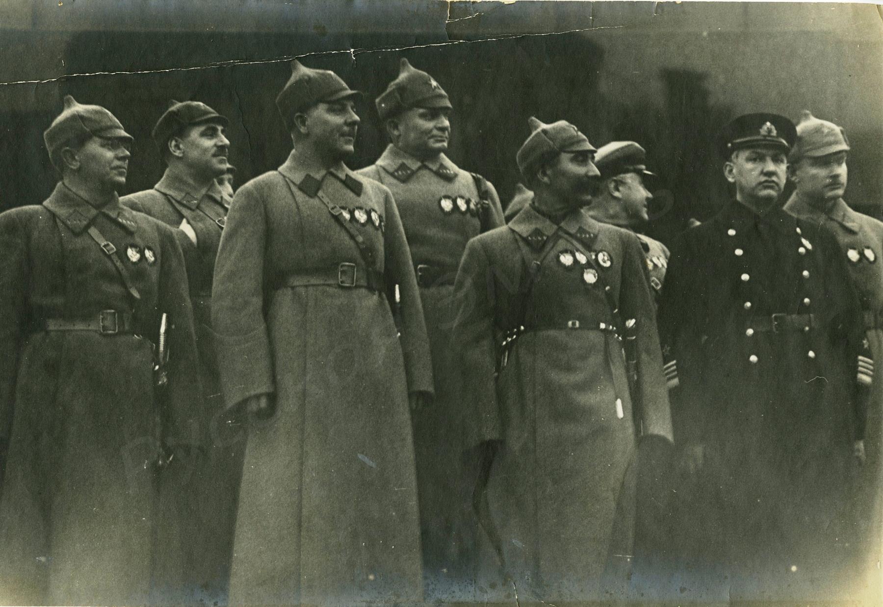 1933.  Высшее командование РККА и руководство органов государственной безопасности у Мавзолея В.И. Ленина во время парада