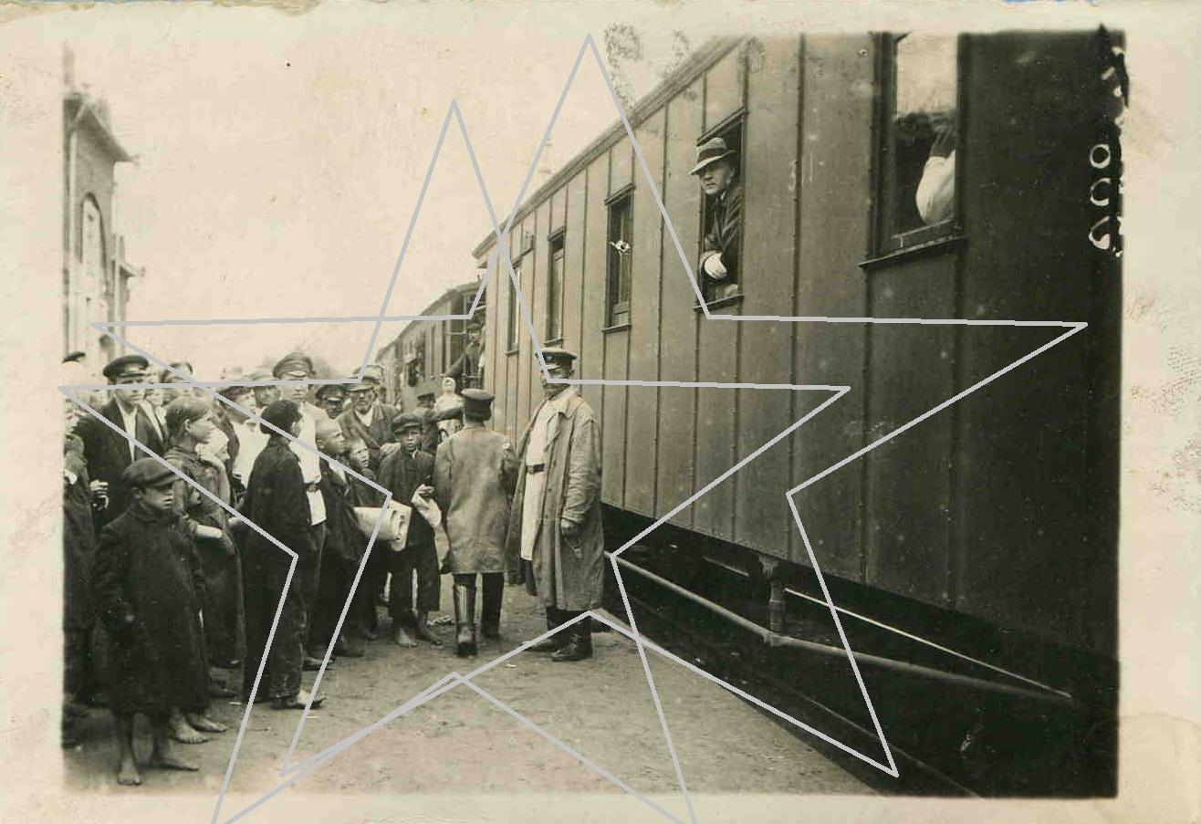 1918.   Ф.И.ШАЛЯПИН в вагоне перед отправкой из Орехово-Зуево