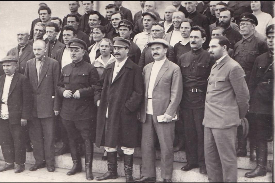 1930-е. Сталин,Ворошилов,Молотов,Каганович в группе