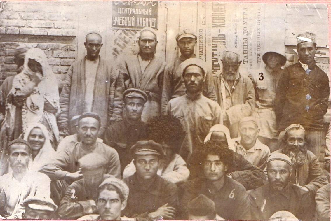 1926. Группа арестованных контрабандистов. г.Полторацк