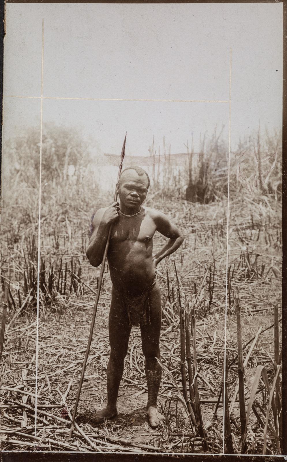Портрет мужчины с копьем