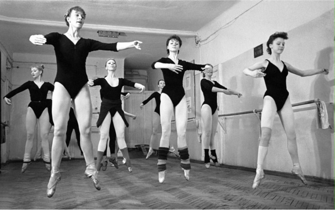 1980. Репетиция кордебалета в старом цирке
