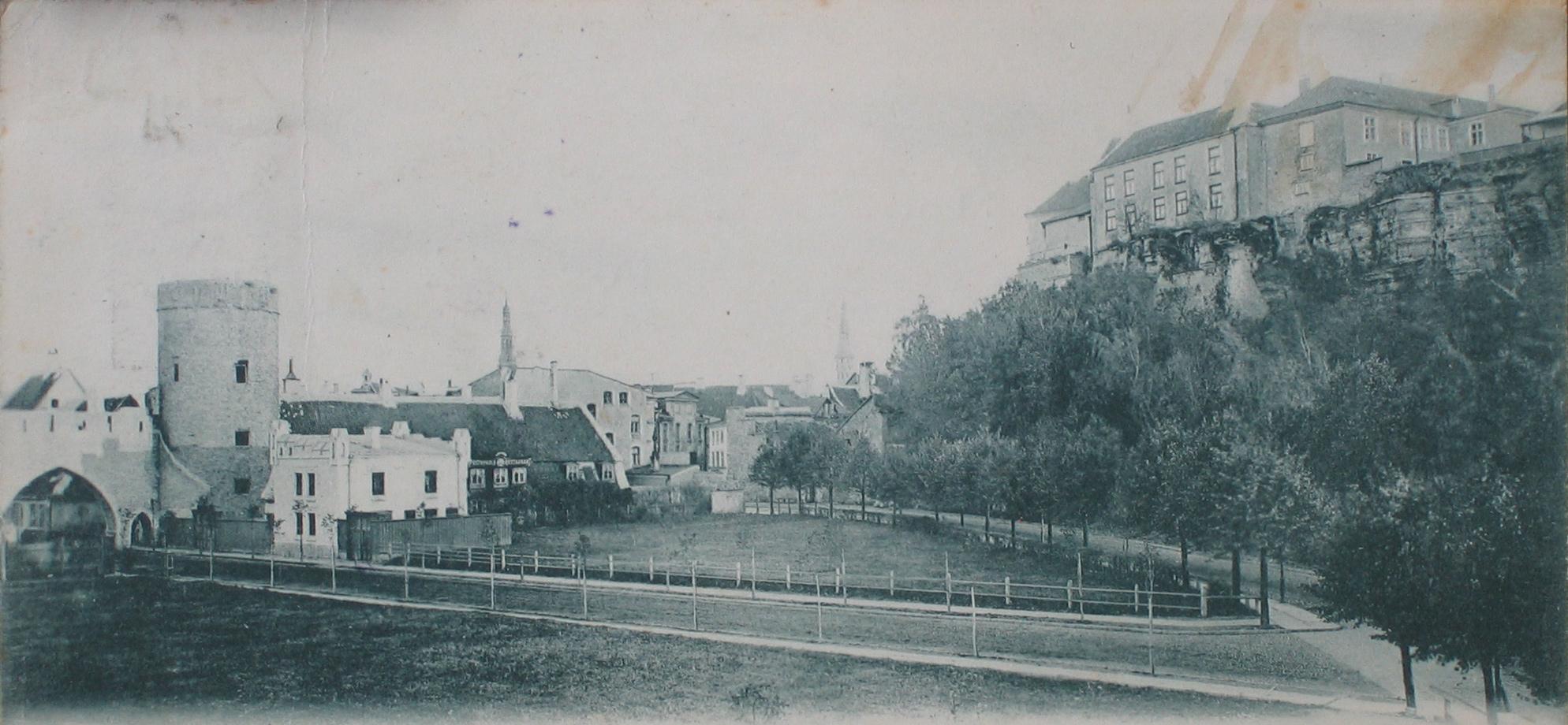Улица Нунне и монастырские ворота
