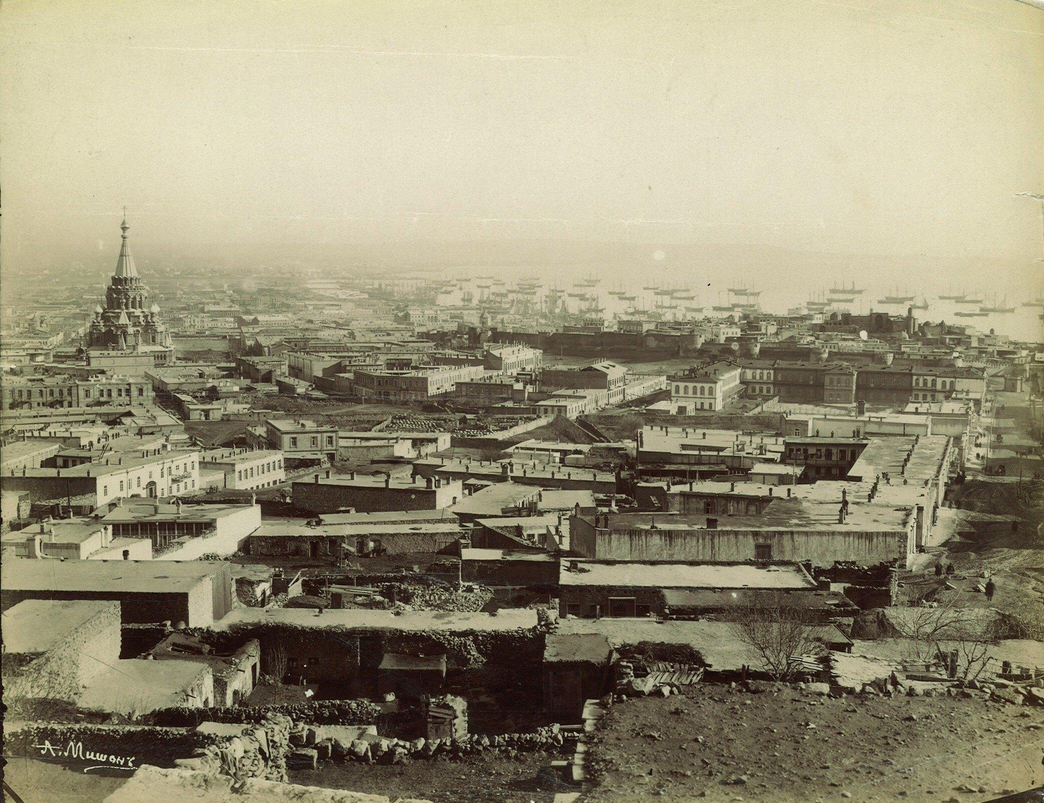 Вид с запада на город, Бакинскую бухту и Александро-Невский собор. 1899