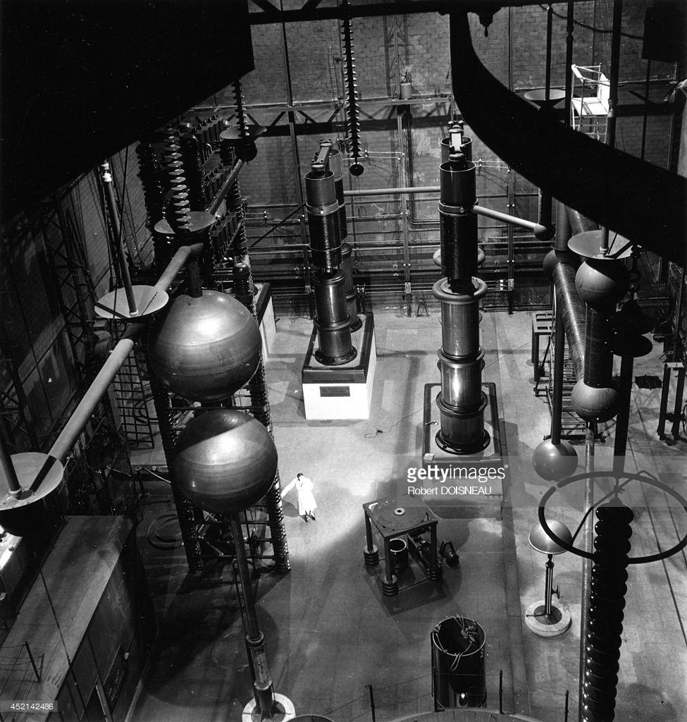 1942. Исследовательская лаборатория в Иври