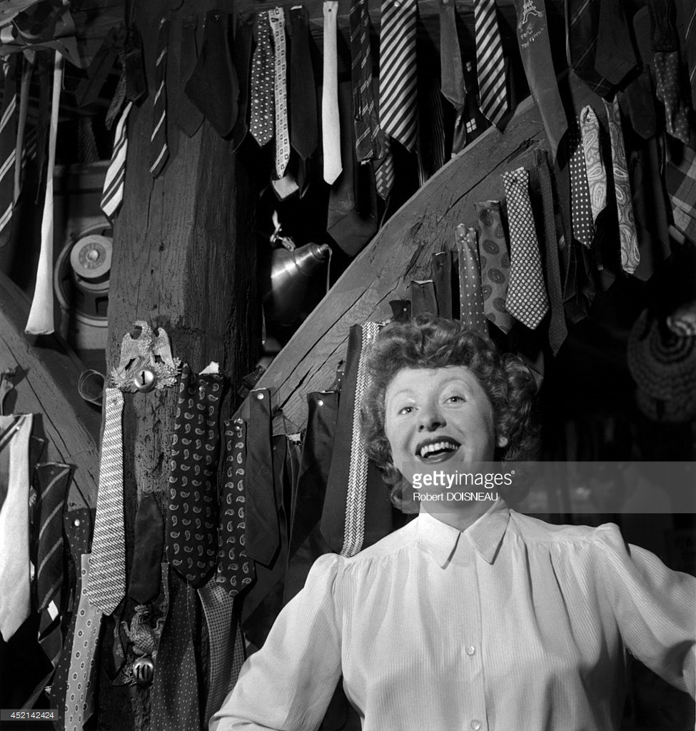 1950. Французская певица и актриса Паташу