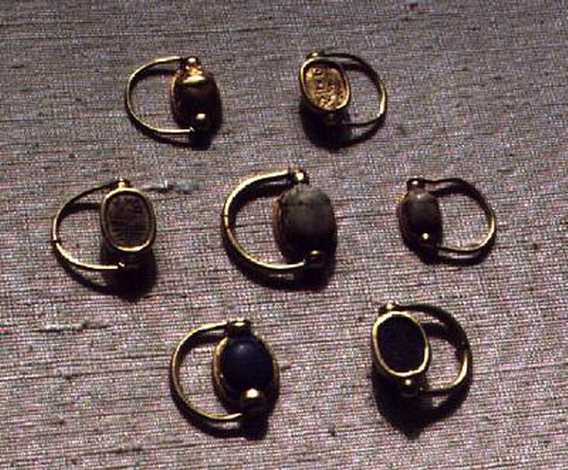ювелирные изделия из золота с сердоликом