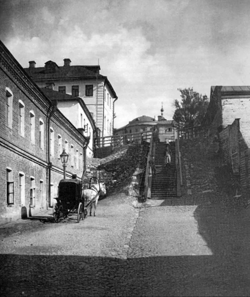 Свешниковский переулок