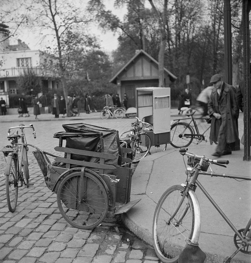 Стоянка вело-такси и вело-рикш. Венсен
