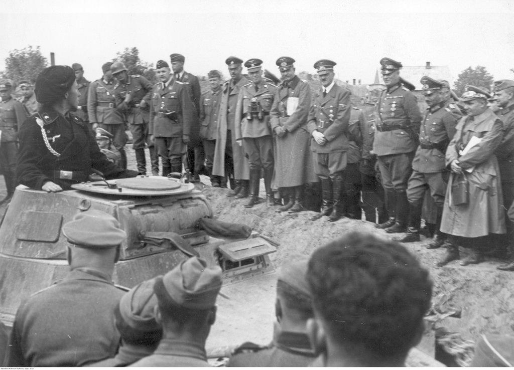 Приезд Адольфа Гитлера в расположение 19-й танкового корпуса генерала Гейнца Гудериана