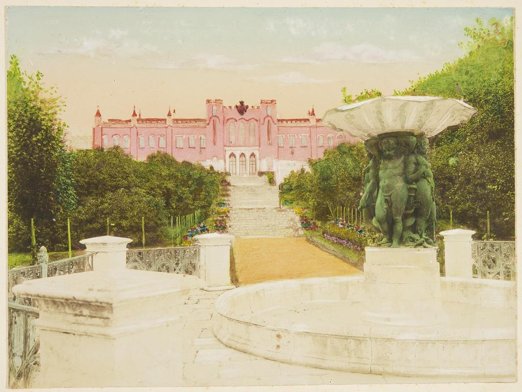 03. Вид на южный фасад усадебного дома со стороны пруда. На переднем плане фонтан (предположительно, И. П. Витали, 1840-е)