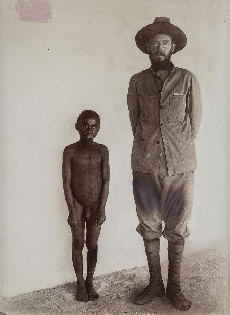 Портрет исследователя и мальчика