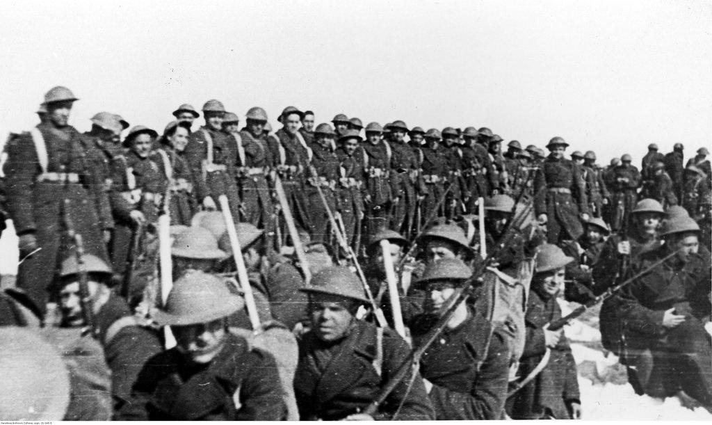 1942. Учения польской армии в СССР. Солдаты во время учений