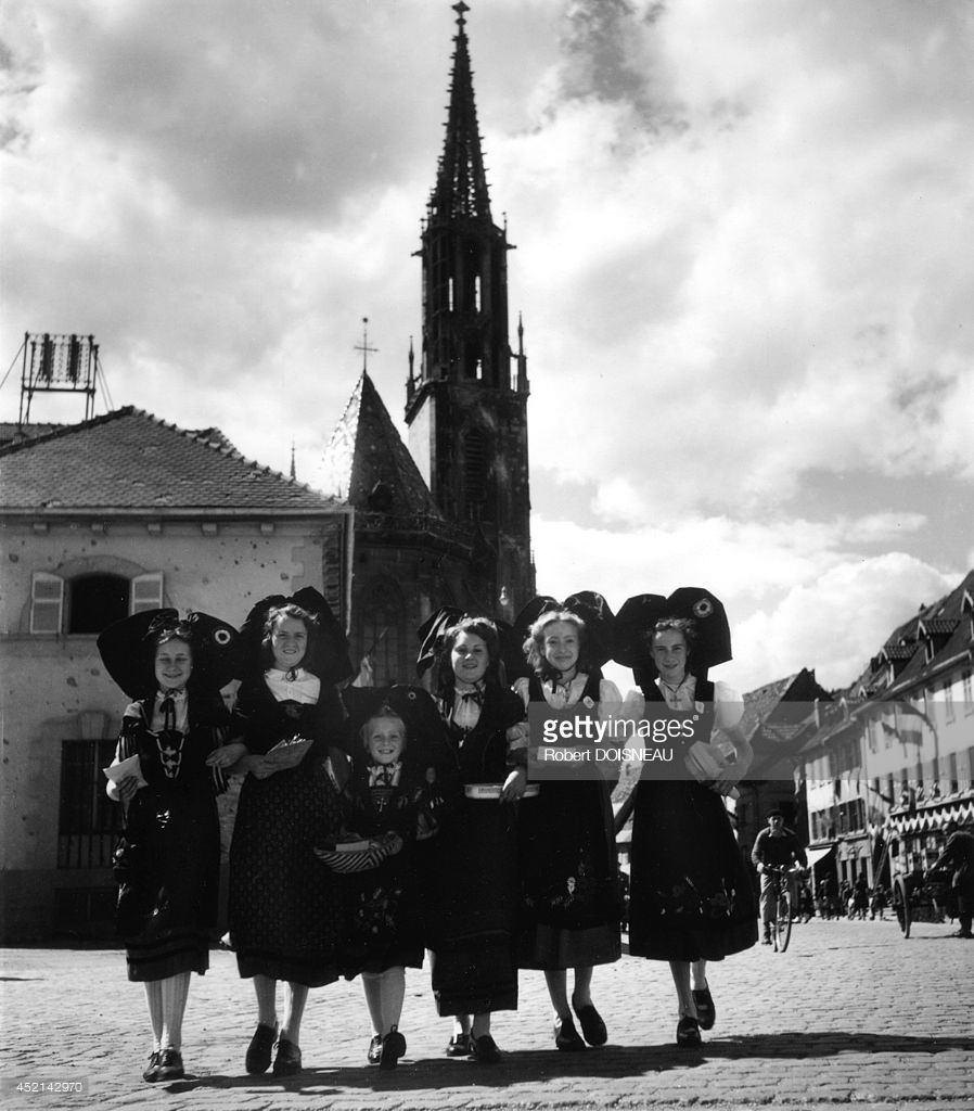 1945. Деревенская вечеринка в Эльзасе, Танн