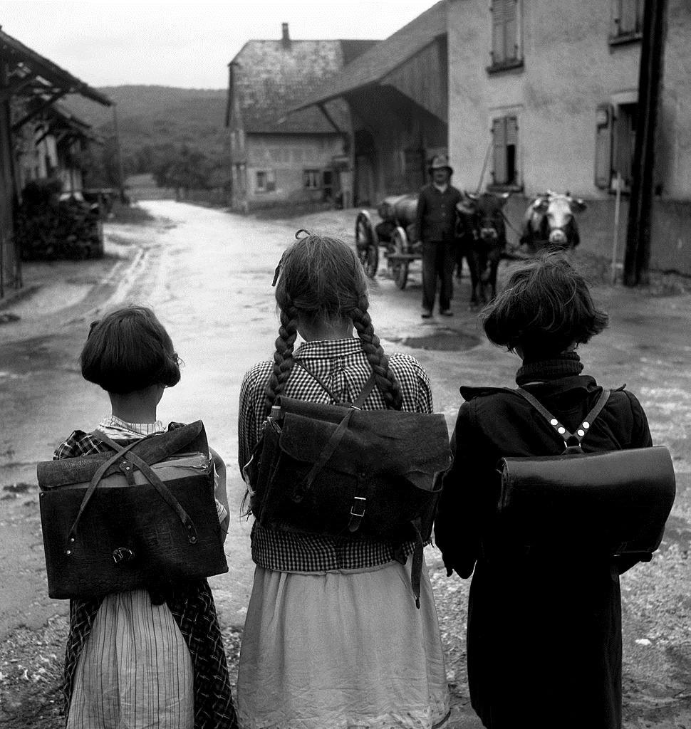 1945. Школьницы в Сондерсдорфе