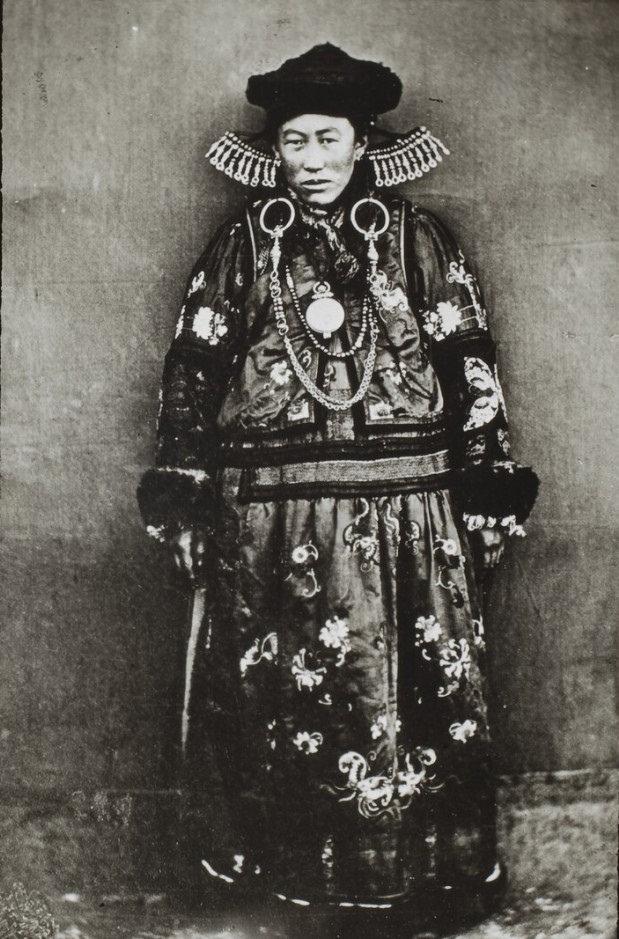 Бурятская богатая женщина из Забайкалья