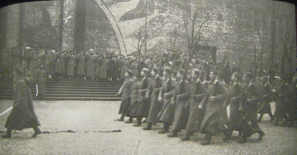 1919. Парад курсантов 1й Московской революционной пулеметной школы