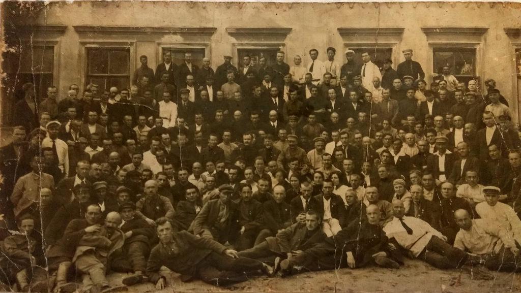 1923. Групповое фото со Сталиным и Калининым
