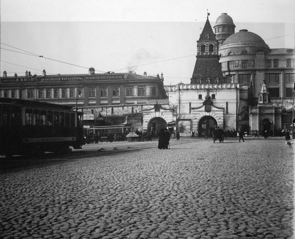 Ильинские ворота и часовня Сергия Радонежского. 1913
