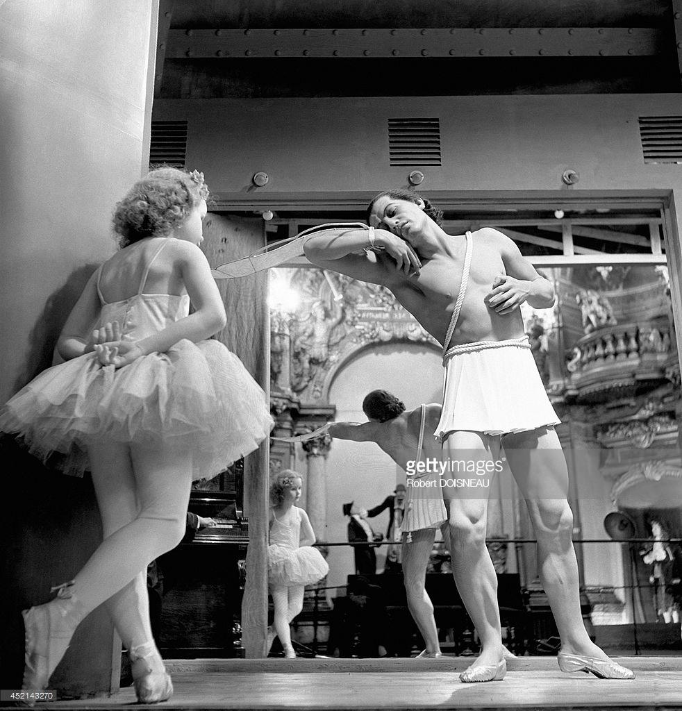 1944. Французский танцор и хореограф Серж Лифарь