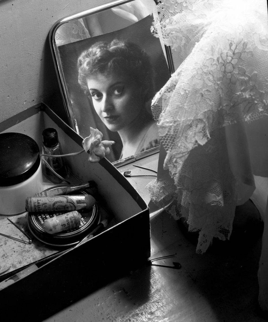 1956. Французская балерина Виолетт Верди