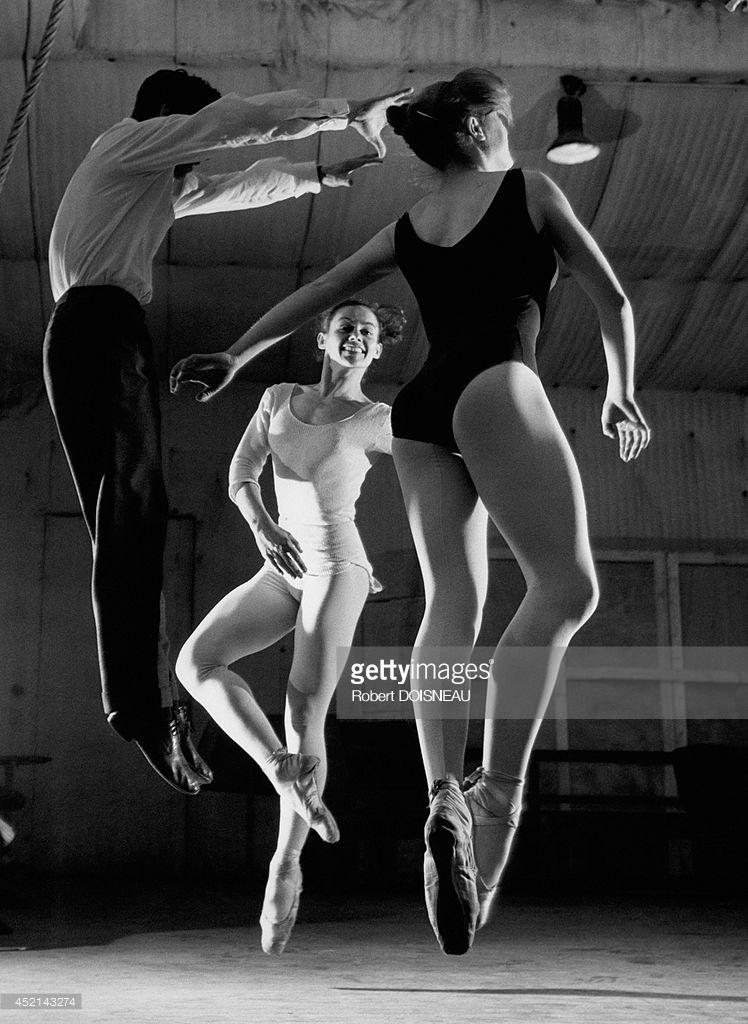 1956. Французский танцор и хореограф Жан Бабиле