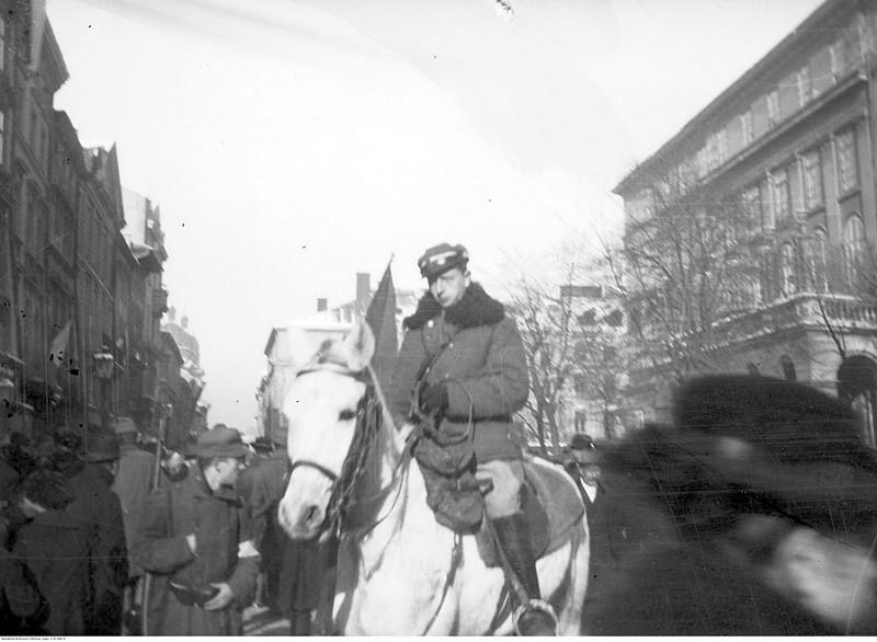 1918. Бои за Львов. Конный патруль в тот день, когда польская армия вошла в город.