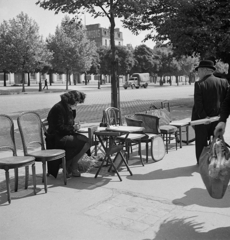 55. «Плетельщица соломенных стульев»