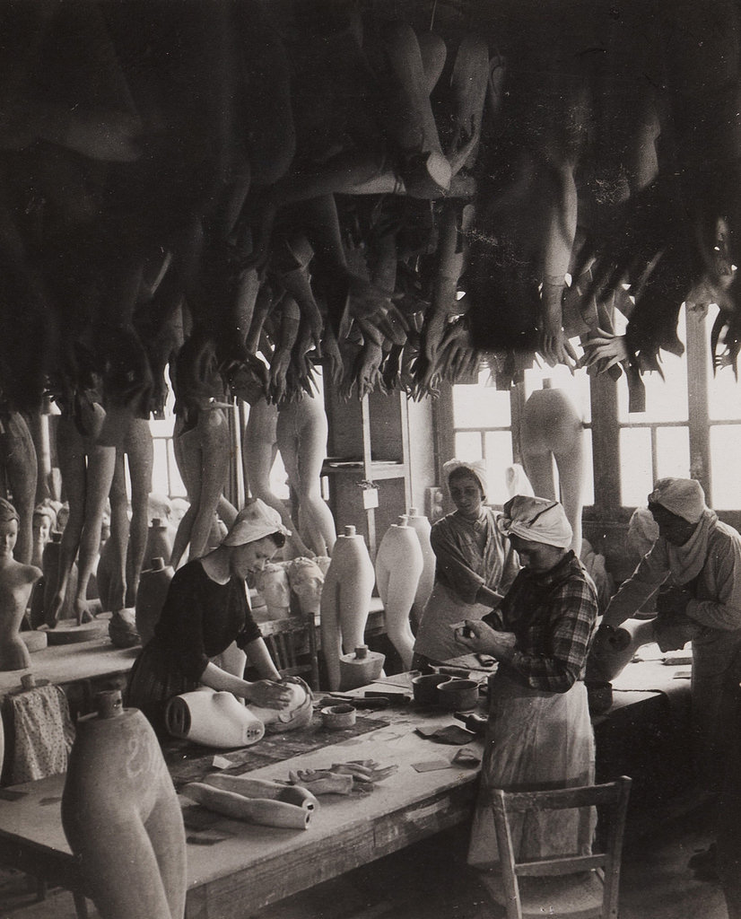 1950. Мастерская по производству манекенов