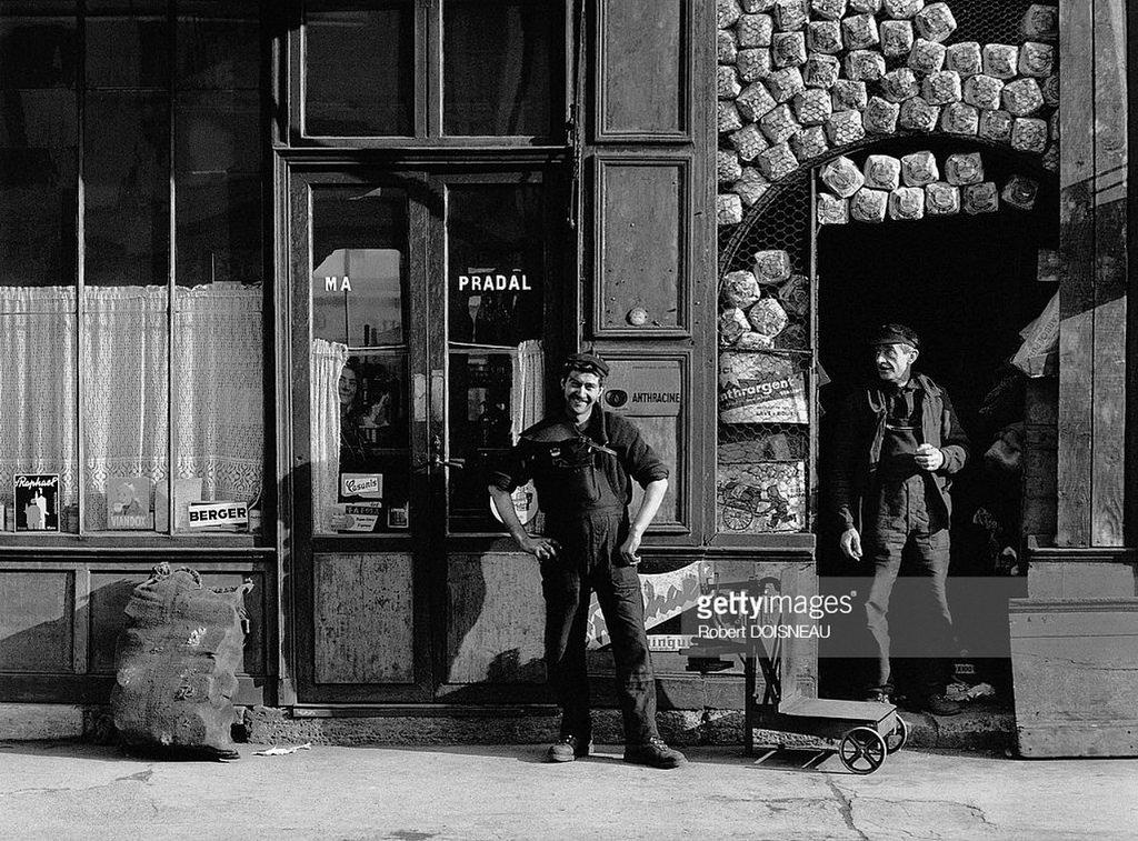 1964. Кафе на улице Томб-Иссуар. Париж