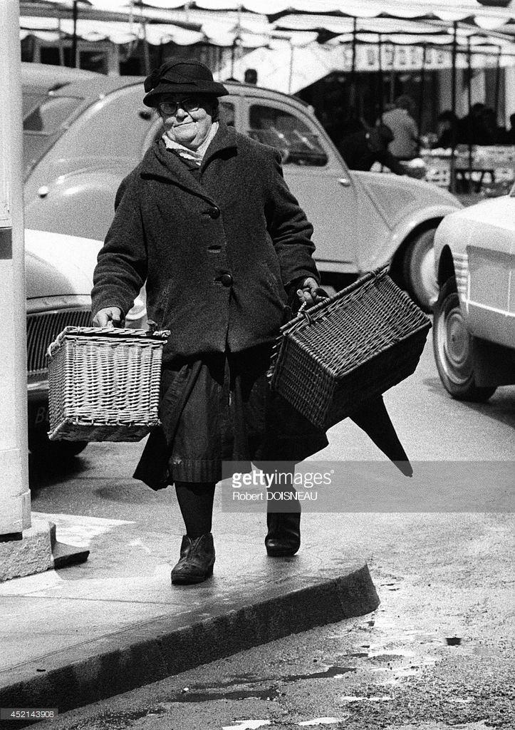 1966. Женщина на ярмарке в Аврилаке