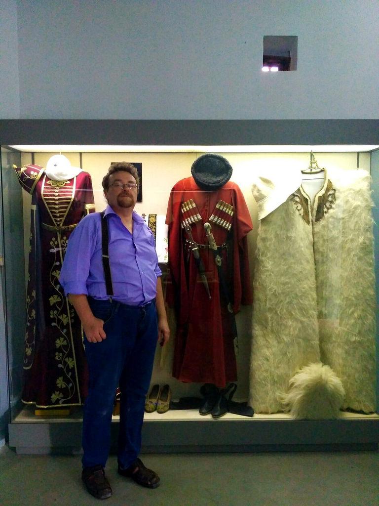 На выставке черкесов я главный экспонат...