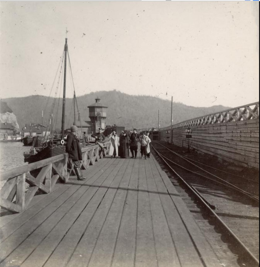 Пирс на станции Байкал. В ожидании парохода