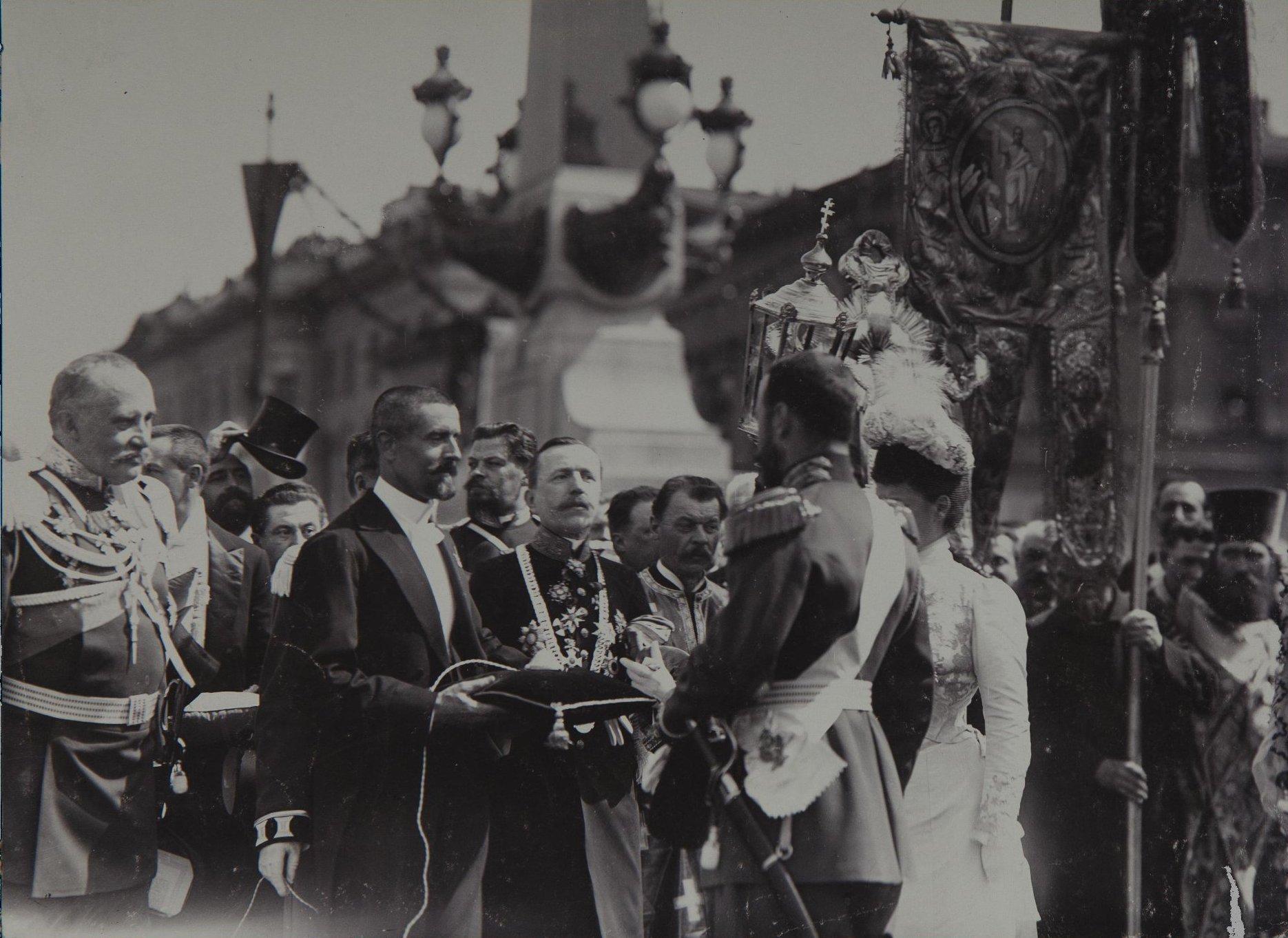 1903. 200-летие Санкт-Петербурга. Торжественное открытие Троицкого моста 16 мая.jpg