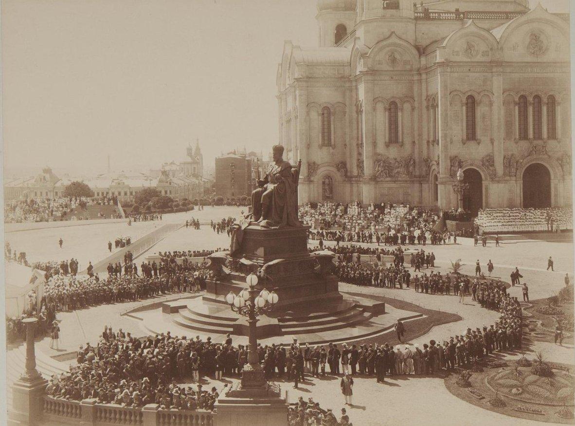1912. Открытие памятника императору Александру III в Москве1.jpg