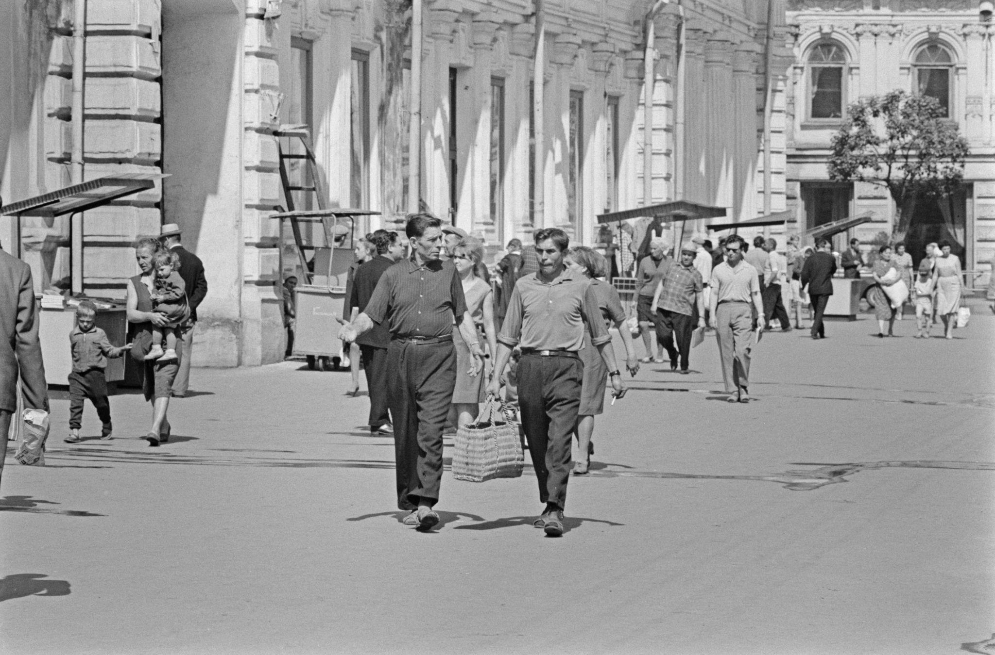 Улица Урицкого в сторону Карла Маркса.png