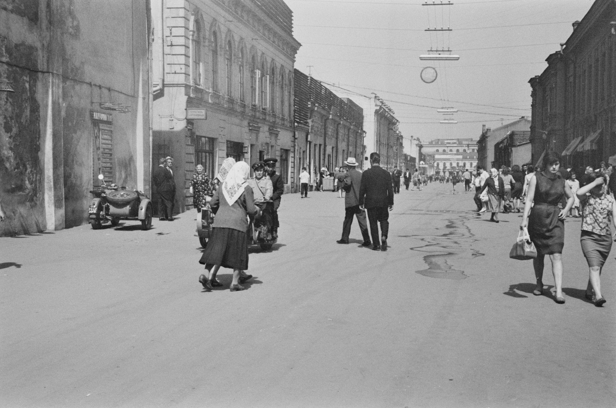 Улица Урицкого со стороны Дзержинского.png