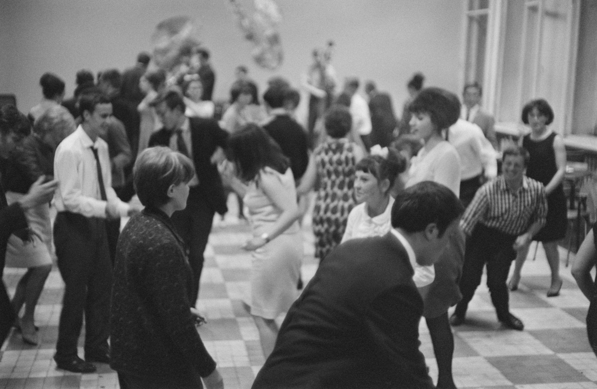04. Танцы в клубе (5).png