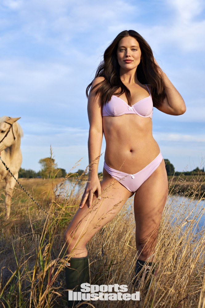 emily-didonato-sports-illustrated-swimsuit-issue-2021-more-photos-0.jpg